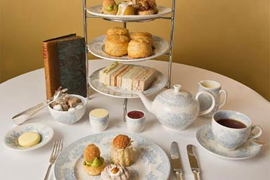 Queens Gallery and Sparkling Afternoon Tea for Two