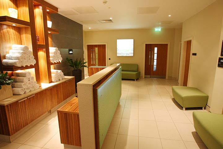 25 Minute Treatment for Two at Holiday Inn Reading