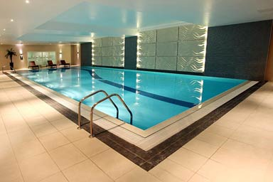 25 Minute Treatment for Two at Holiday Inn Reading Thumb