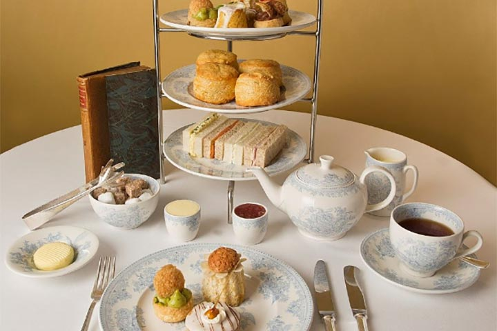 Buckingham Palace State Rooms and Sparkling Afternoon Tea for Two