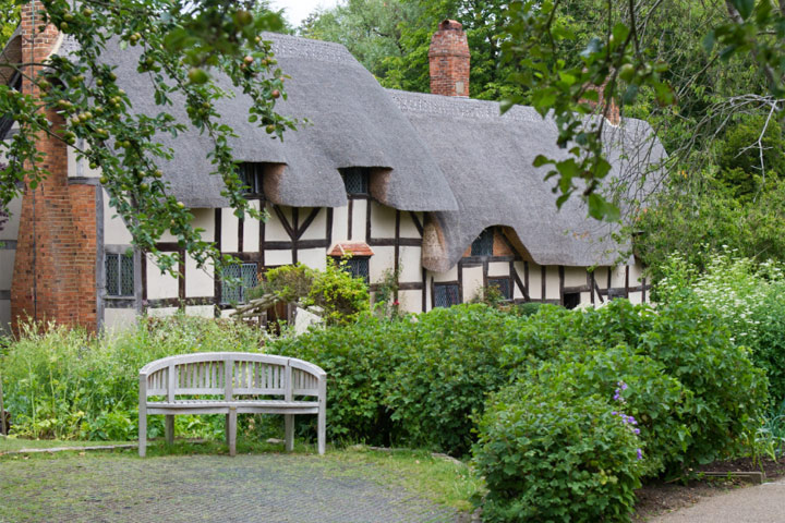Visit Anne Hathaway's Cottage and Gardens with a Light Lunch for Two
