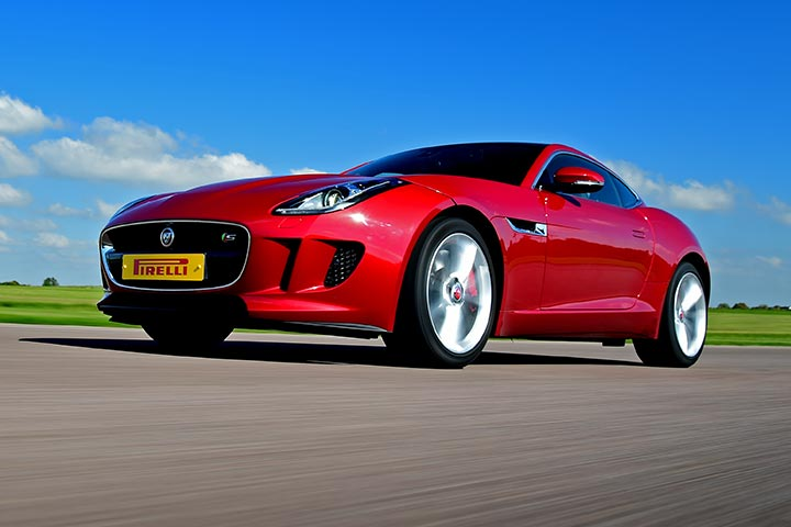 Jaguar Driving Thrill at Thruxton Motorsport Centre