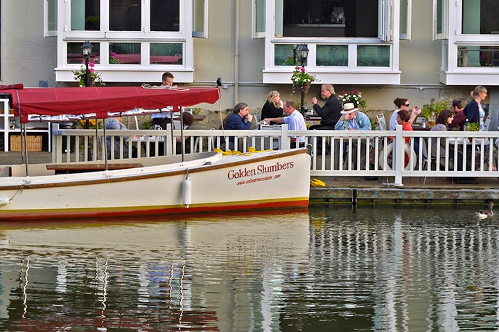 image of Oxford Afternoon Tea River Cruise for Two