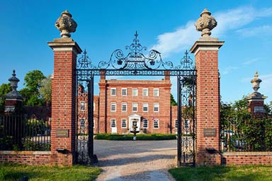 Essential Weekend Spa Day for Two at Champneys Luxury Resort Henlow Thumb