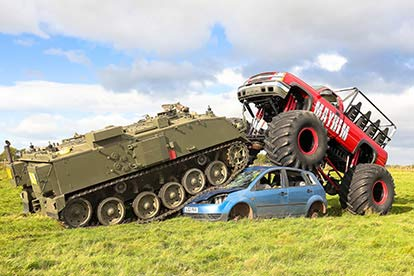 Ultimate Tank Drive vs Monster Truck Drive