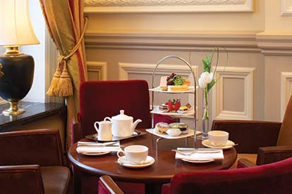 Buckingham Palace State Room Visit & Afternoon Tea At The Grosvenor For Two