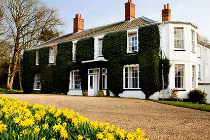 Three Course Meal With Bubbly For Two At The Grove Norfolk
