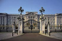 Entrance to the Queen's Gallery & Afternoon Tea at the Grosvenor Hotel