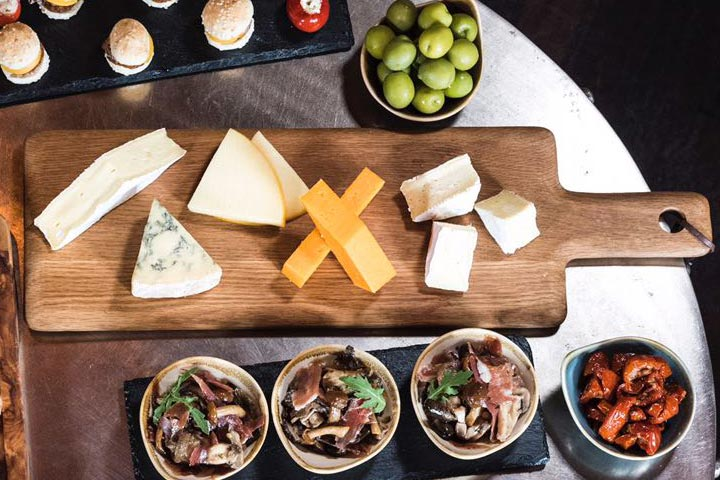 Fizz, Cocktails and Nibbles at Map Maison