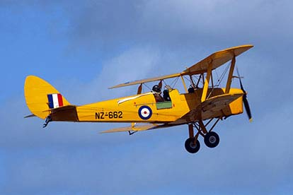 25 Minute Tiger Moth Flying Lesson