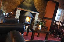 One Night Escape with Dinner at the Duke of Malborough Thumb