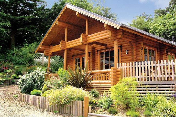 £99 Credit Towards 'Lodges with Hot Tubs' Collection by Hoseasons