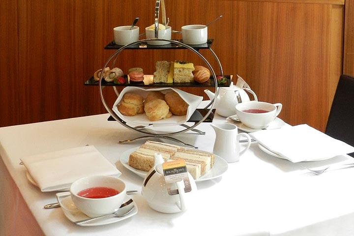 London City Break with Afternoon Tea for Two