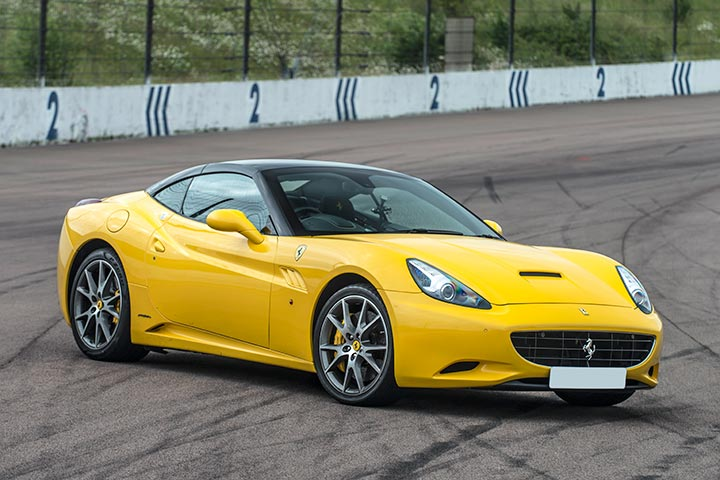 Double Ferrari Drive (8 Laps)