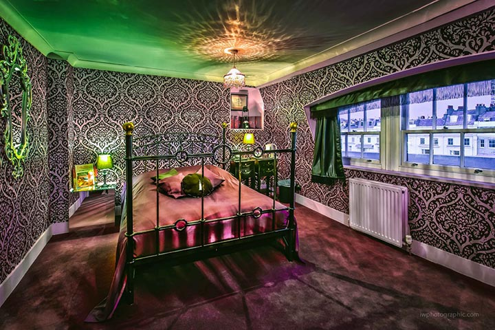 Overnight Stay in Brighton at Hotel Pelirocco