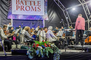 Outdoor Proms Concert for Two with a Bottle of Bubbly Thumb