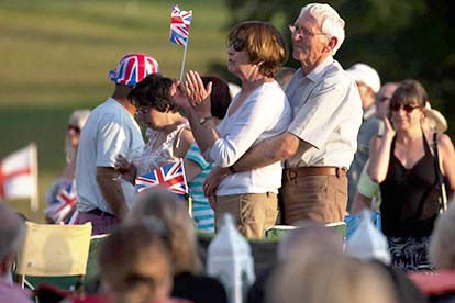 Outdoor Proms Concert for Two with a Bottle of Bubbly