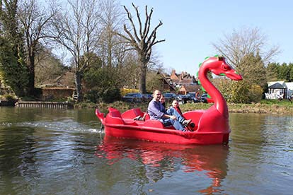 Family Boat Hire Adventure