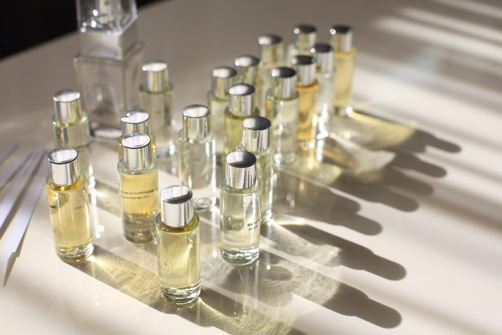 Design Your Own Fragrance Gold Experience