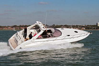 Luxury 40ft Sunseeker Driving Experience