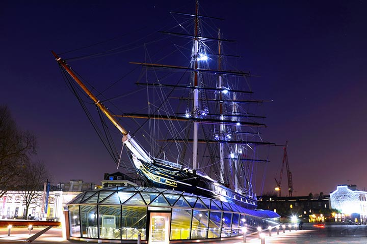 Royal Maritime Greenwich Ghost Tour for Two