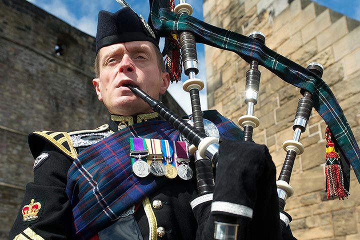 Visit Edinburgh Castle with a Three Course Dinner for Two